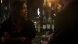 Lucifer S03E03 - Mr. and Mrs. Mazikeen Smith